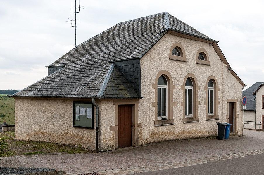 De centre culturel an der Rue de l'Égise zu Wolwen.