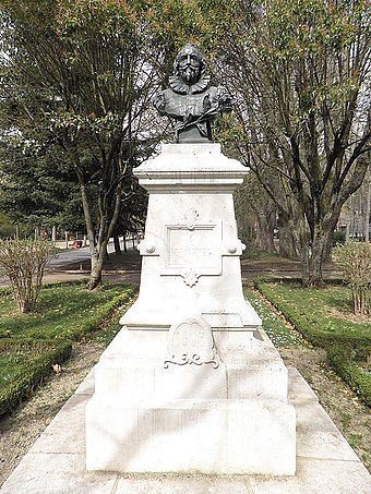 Bust of Cervantes erected in 1905, Burgos. - Miguel de Cervantes