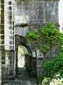 Champagnac-de-Belair église contreforts (1).JPG