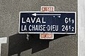 Champagnac-le-Vieux Plaque de cocher 983.jpg