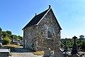 Chapelle du cimetière de Beauchamps. Vue sud-ouest.jpg