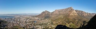 Ciudad del Cabo desde Cabeza de León, Sudáfrica, 2018-07-22, DD 24-27 PAN.jpg