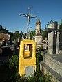 Cmentarz parafialnhy w Ożarowie 1.jpg