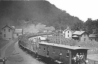 Coal Creek War - Convicts placed on railroad cars by striking miners for transport out of the Coal Creek Valley