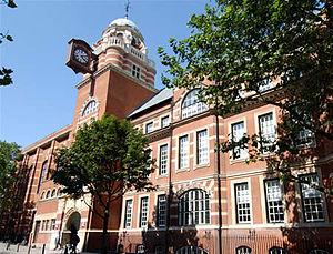 English: City University's College Building on...