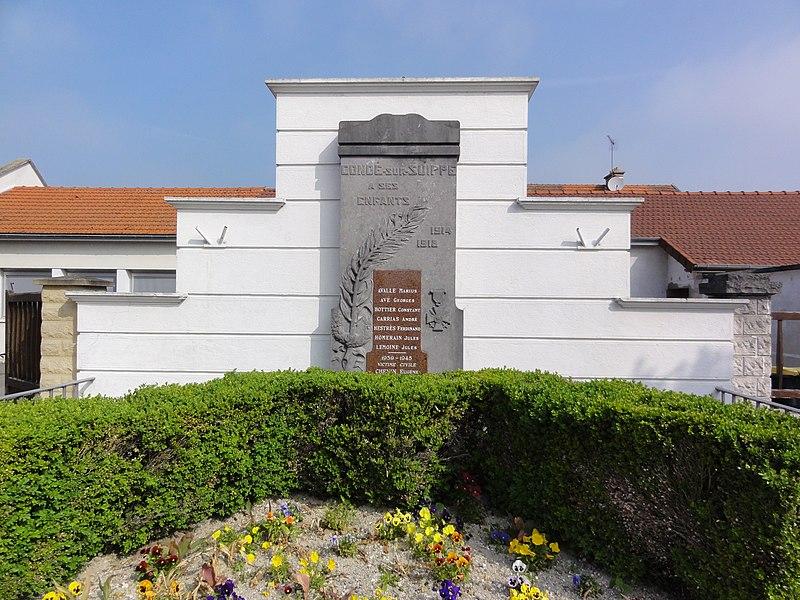 Condé-sur-Suippe (Aisne) Monument aux morts