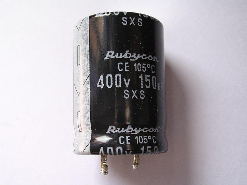 Condensador electrolitico 150 microF 400V