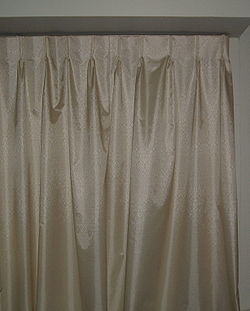 definition of curtain