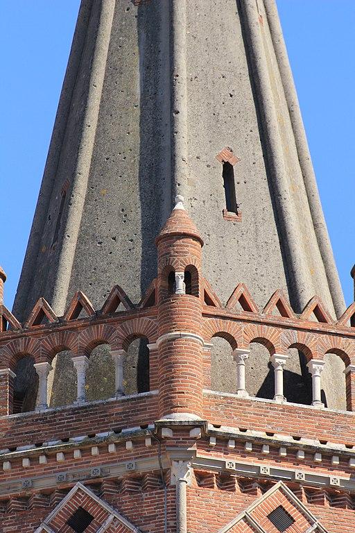 Narbonne Version 3 1: File:Détail Du Clocher De La Basilique Saint-Sernin 2.jpg