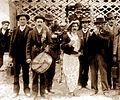 Danse de la souche Villeneuve-les-Avignon 1900.jpg