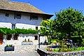 Das Gemeindehaus im Genfer Kleinstädtchen Meinier.jpg