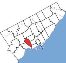 Davenport in relation to the other Toronto ridings (2015 boundaries).png