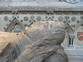 Sir David Mathew - Effigy of Sir David Mathew, side-view from north, north aisle, Llandaff Cathedral