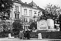 Deák Ferenc tér, 76-os gyalogezred emlékműve. Fortepan 52935.jpg