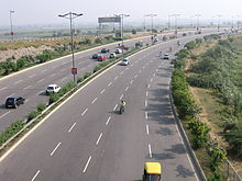 Delhi Noida Direct flyway (Uttar Pradesh - 2011-06-18).jpg