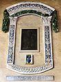 Desiderio da Settignano, madonna col bambino, entro cornice in terracotta invetriata del 1513, 01.jpg