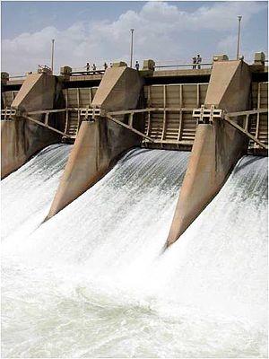 Dibis Dam - Image: Dibis Dam Regulator 3 USACE NWD