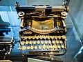 Die Schreibmaschine Erika I 01.jpg