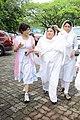 Dolly Bindra at Dara Singh's funeral 25.jpg