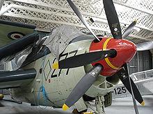 Hélices 220px-Duxford_UK_Feb2005_FaireyGannet