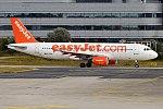 EasyJet, G-EZUF, Airbus A320-214 (24047133592) (2).jpg