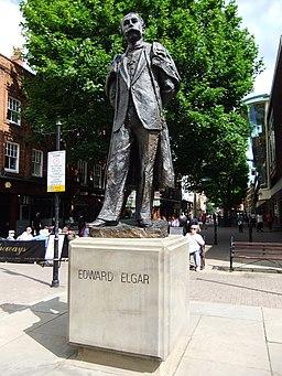Edward Elgar statue, Worcester, England - DSCF0690