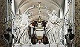 Eglise Saint-Pierre des Chartreux de Toulouse - Les anges couronnant le Saint Sacrement - François Lucas 1785 PM31000920.jpg