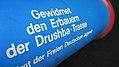 Ehrengeschenk des Zentralrats der Freien Deutschen Jugend für die Erbauer der Drushba-Trasse.jpg
