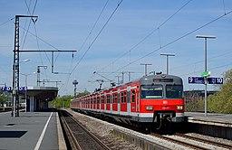 Ein ET 420 als S12 im Bahnhof Köln Messe Deutz