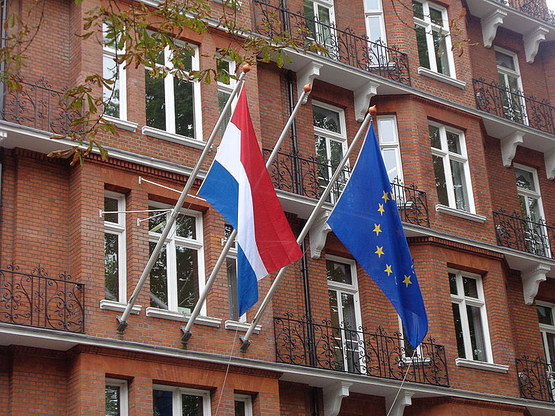 File:Embassy of the Netherlands, Kensington Road, London (25th September 2014) 002.JPG