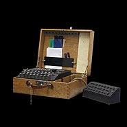 Enigma-IMG 0484-black