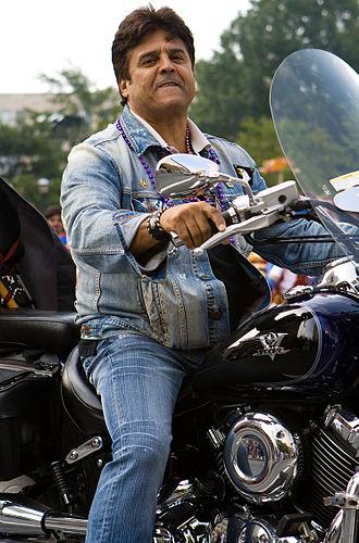 Erik Estrada - Estrada at Dragon Con in 2007