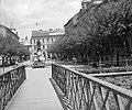Erzsébet tér, Kossuth szobor, szemben az Avas (Korona) szálló, a Szinva hídról fotózva. Fortepan 4005.jpg