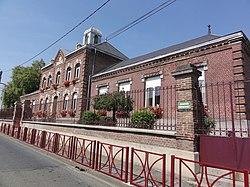 Estrées (Aisne) mairie.JPG