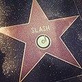 Estrela-do-slash-na-calçada-da-fama.jpg
