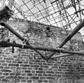 Exterieur muur bovenzijde toren met oud jaartal. - Ouddorp - 20178400 - RCE.jpg