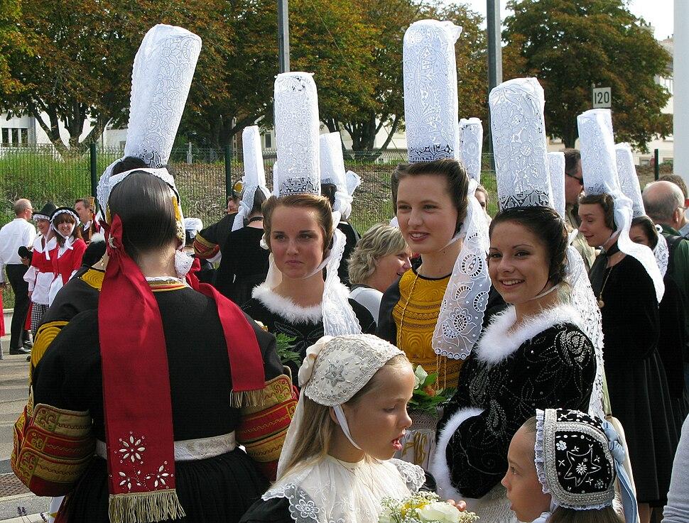 FIL 2009 - Coiffes bretonnes - bigoudènes - cercle ar vro vigoudenn