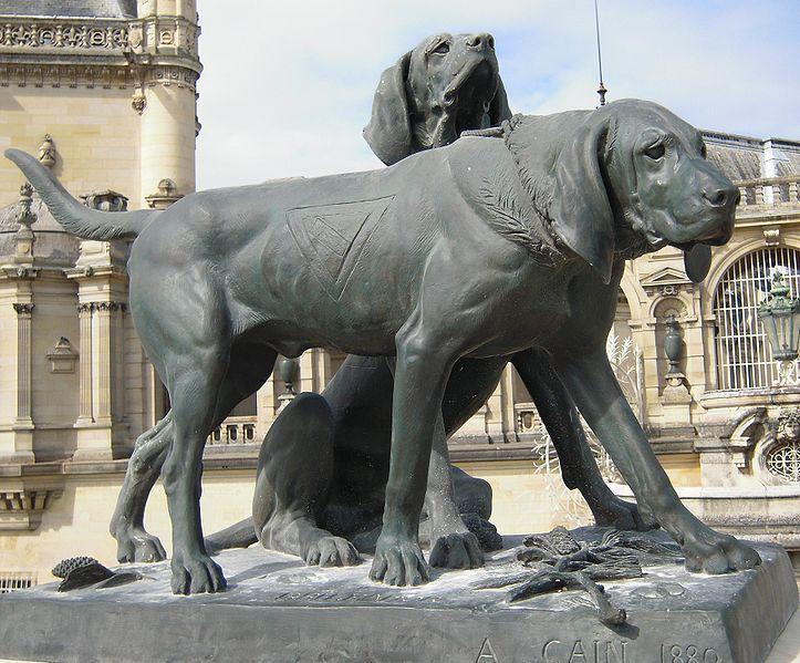 File:Fanfareau et Brillador - deux chien de Chantilly.jpg