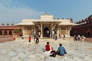 Fatehpur Sikri - Tomb of Salim Chishti(left) tomb in Jama Masjid courtyard, Fatehpur Sikri