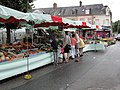 Fauville-en-Caux (Seine-Mar.) place Gaston Sanson, marché du mercredi (02).jpg