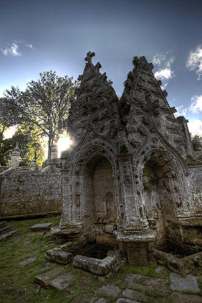 Fountaine de Chapelle Saint Nicodeme, Plumeliau