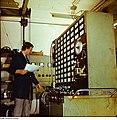 Fotothek df n-20 0000043 Facharbeiter für Qualitätskontrolle.jpg