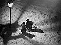 Fotothek df ps 0000908 Winterliche Straßenszene im Licht einer Straßenlaterne.jpg