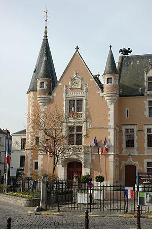 Étampes - Image: France Essonne Etampes Hotel de Ville 01
