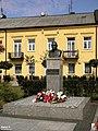 Góra Kalwaria, Pomnik Marszałka Józefa Piłsudskiego - fotopolska.eu (245066).jpg