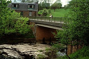 Gartness Bridge - geograph.org.uk - 122679.jpg