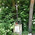 Gedenkkreuz für Ferdinand Estenfelder - panoramio.jpg