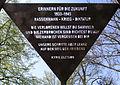 Gedenktafel Königin-Luise-Str 55 (Dahl) Verfolgte des Nationalsozialismus.JPG