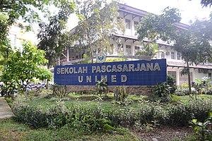 Gedung Pascasarana Universitas Negeri Medan - panoramio