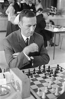 Georgi Tringov aan het schaakbord, inventory number 919-5573.jpg